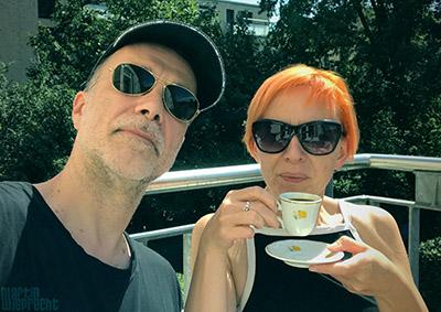 Mittagspause mit Gattin und Espresso