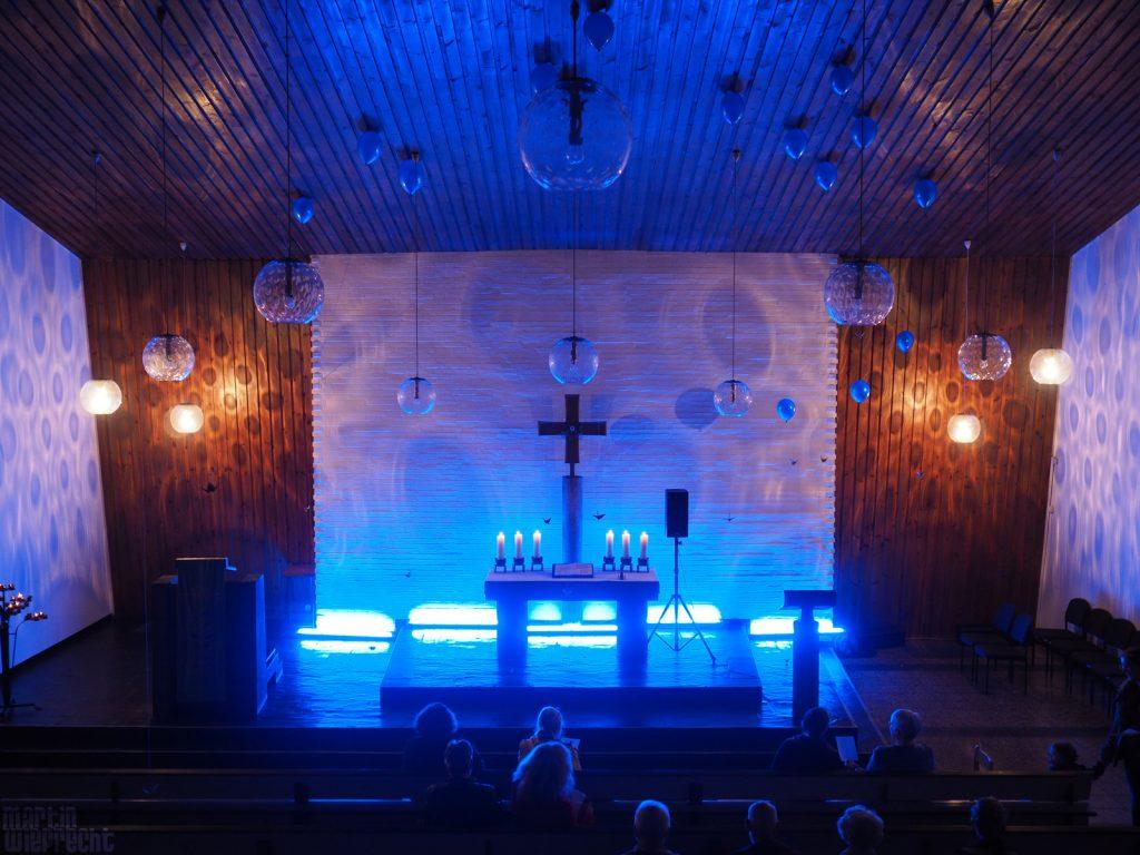 Blaue Stunde Kirche